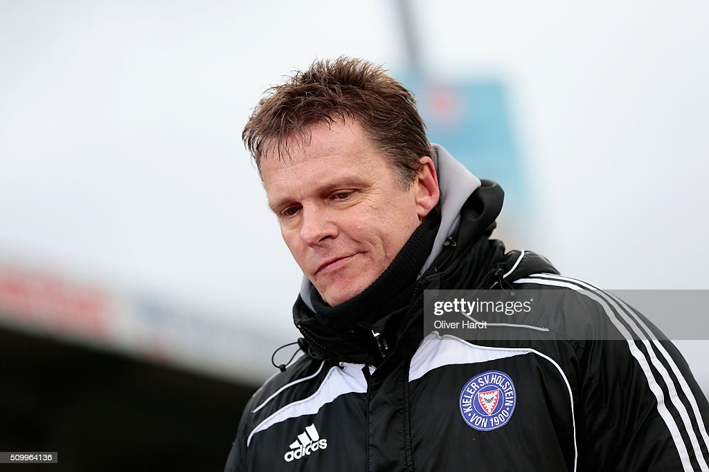 Head coach Karsten Neitzel of Kiel appears frustrated after the 3 liga match between Holstein Kiel and VfL Osnabrueck at Holstein-Stadion on February 13, 2016 in Kiel, Germany.