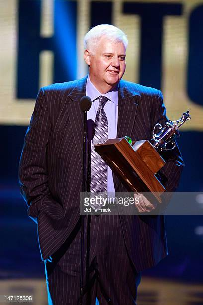 Head Coach Ken Hitchcock of the St Louis Blues addresses the audience after winning the Jack Adams Award during the 2012 NHL Awards at the Encore...
