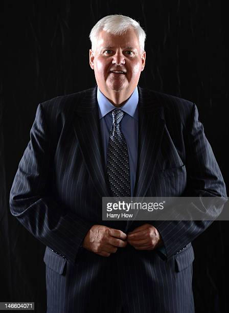 Head coach Ken Hitchcock of the St Louis Blues poses after winning the Jack Adams Award during the 2012 NHL Awards at the Encore Theater at the Wynn...