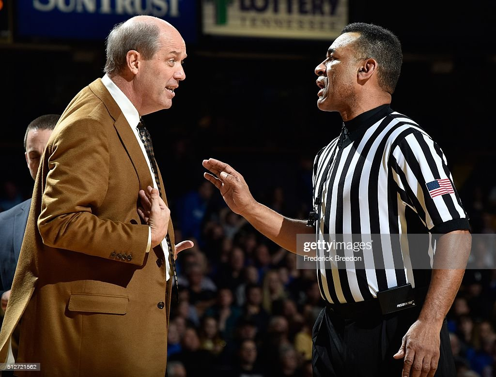 Head coach <a gi-track='captionPersonalityLinkClicked' href=/galleries/search?phrase=Kevin+Stallings&family=editorial&specificpeople=712268 ng-click='$event.stopPropagation()'>Kevin Stallings</a> of the Vanderbilt Commodores discusses a call with an official during the first half of a game against the Kentucky Wildcats at Memorial Gym on February 27, 2016 in Nashville, Tennessee.