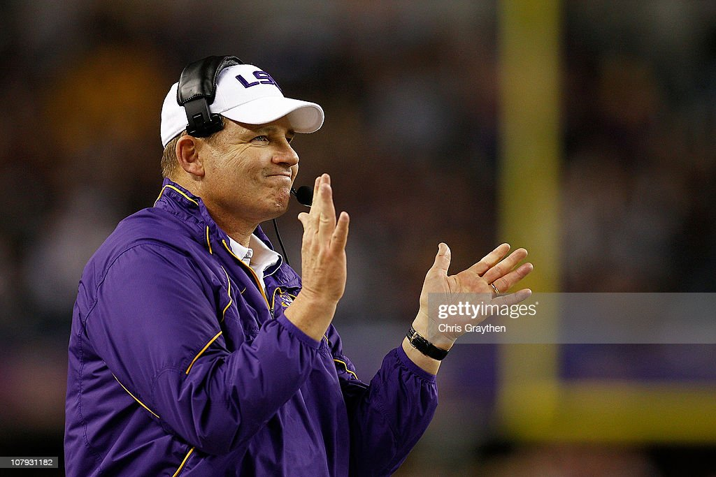 Head coach <a gi-track='captionPersonalityLinkClicked' href=/galleries/search?phrase=Les+Miles&family=editorial&specificpeople=2109775 ng-click='$event.stopPropagation()'>Les Miles</a> of the Louisiana State University Tigers reacts to a field goal during the game against the Texas A&M Aggies during the AT&T Cotton Bowl at Cowboys Stadium on January 7, 2011 in Arlington, Texas.