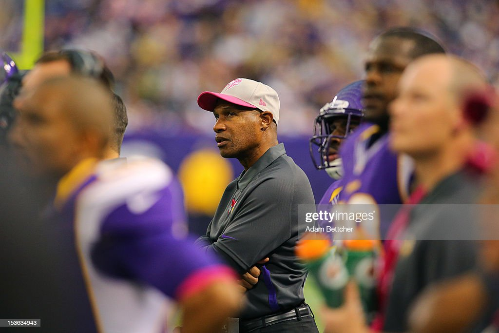 Head Coach <a gi-track='captionPersonalityLinkClicked' href=/galleries/search?phrase=Leslie+Frazier&family=editorial&specificpeople=2295716 ng-click='$event.stopPropagation()'>Leslie Frazier</a> of the Minnesota Vikings on the sidelines against the Tennessee Titans at the Hubert H. Humphrey Metrodome on October 7, 2012 in Minneapolis, Minnesota.