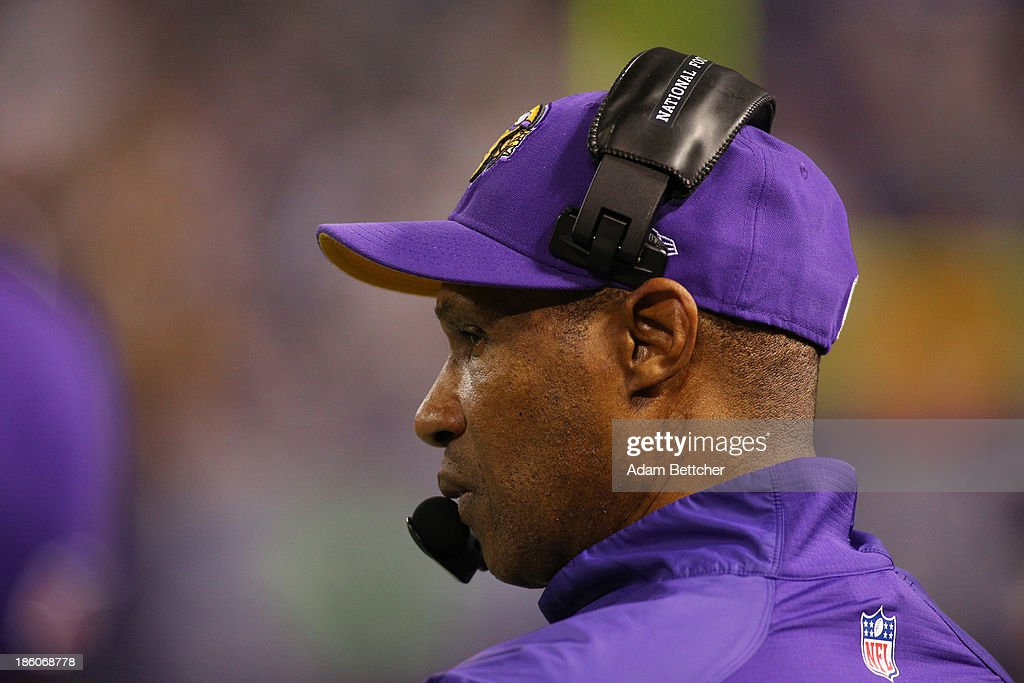 Head coach <a gi-track='captionPersonalityLinkClicked' href=/galleries/search?phrase=Leslie+Frazier&family=editorial&specificpeople=2295716 ng-click='$event.stopPropagation()'>Leslie Frazier</a> of the Minnesota Vikings on the sidelines against the Green Bay Packers on October 27, 2013 at Mall of America Field at the Hubert Humphrey Metrodome in Minneapolis, Minnesota.