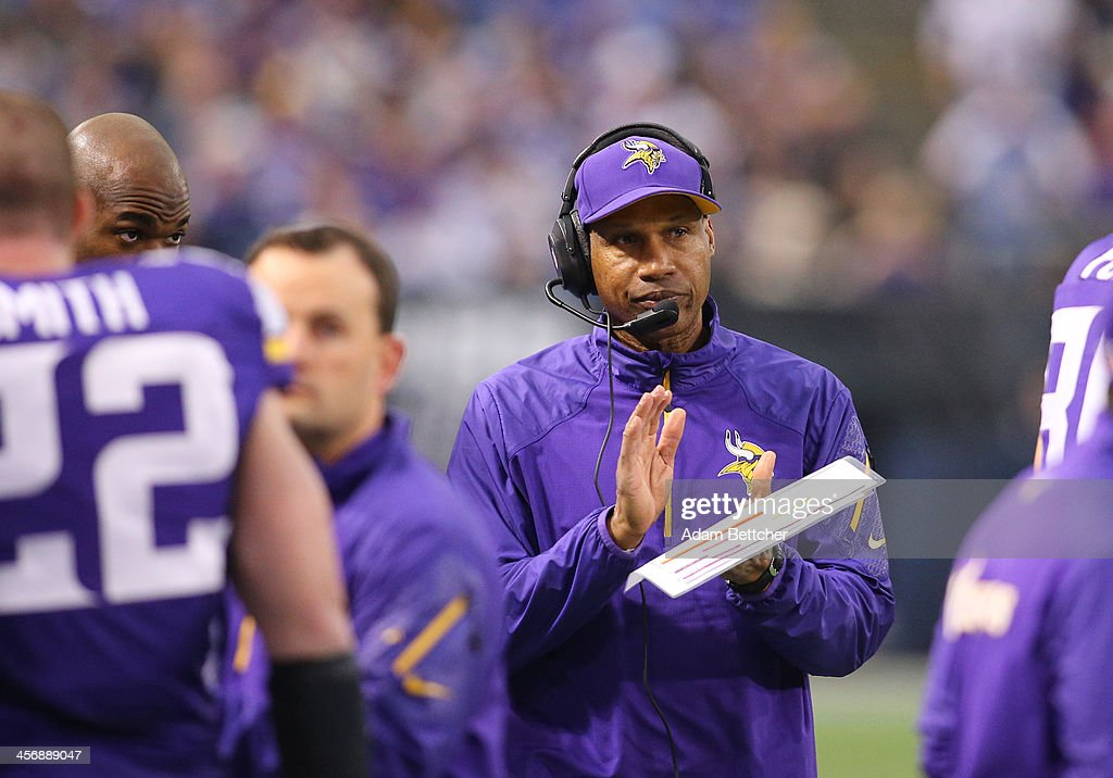 Head coach <a gi-track='captionPersonalityLinkClicked' href=/galleries/search?phrase=Leslie+Frazier&family=editorial&specificpeople=2295716 ng-click='$event.stopPropagation()'>Leslie Frazier</a> of the Minnesota Vikings works the sidelines against the Philadelphia Eagles on December 15, 2013 at Mall of America Field at the Hubert H. Humphrey Metrodome in Minneapolis, Minnesota.