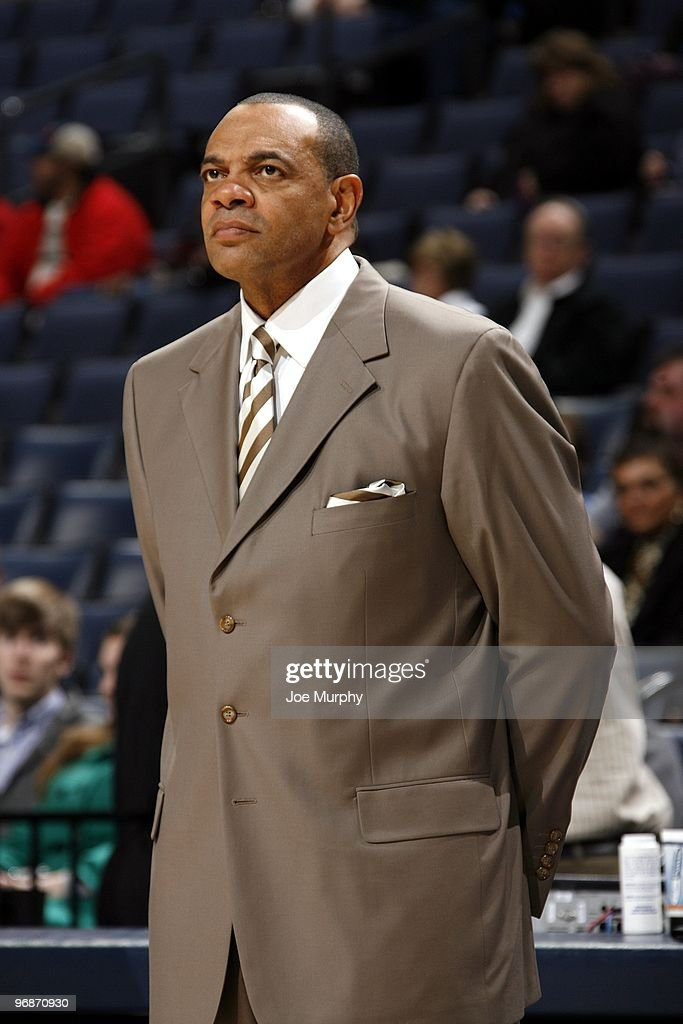 Head coach Lionel Hollins of the Memphis Grizzlies looks on during the game against the Minnesota Timberwolves at the FedExForum on January 15, 2010 in Memphis, Tennessee. The Grizzlies won 135-110.