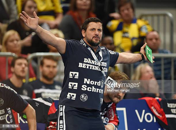 Head coach Ljubomir Vranjes of SG Flensburg Handewitt gestures during the DKB HBL Bundesliga match between RheinNeckar Loewen and SG Flensburg...