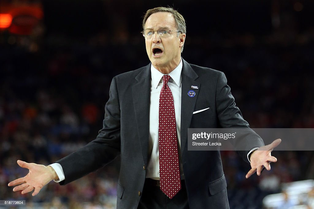 Head coach <a gi-track='captionPersonalityLinkClicked' href=/galleries/search?phrase=Lon+Kruger&family=editorial&specificpeople=642672 ng-click='$event.stopPropagation()'>Lon Kruger</a> of the Oklahoma Sooners reacts in the first half against the Villanova Wildcats during the NCAA Men's Final Four Semifinal at NRG Stadium on April 2, 2016 in Houston, Texas.