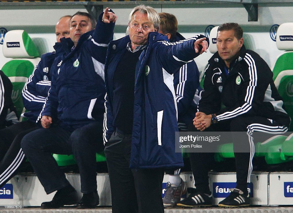 Head coach Lorenz-Guenther Koestner of Wolfsburg gestures the Bundesliga match between VfL Wolfsburg and SV Werder Bremen at Volkswagen Arena on November 24, 2012 in Wolfsburg, Germany.