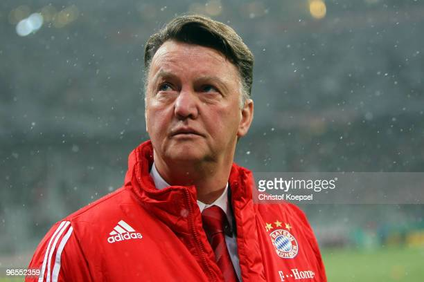 Head coach Louis van Gaal of Bayern looks thoughtful before the DFB Cup quarter final match between FC Bayern Muenchen and SpVgg Greuther Fuerth at...