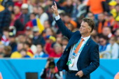 Head coach Louis Van Gaal of the Netherlands gestures during the 2014 FIFA World Cup Brazil Group B match between Australia and Netherlands at...