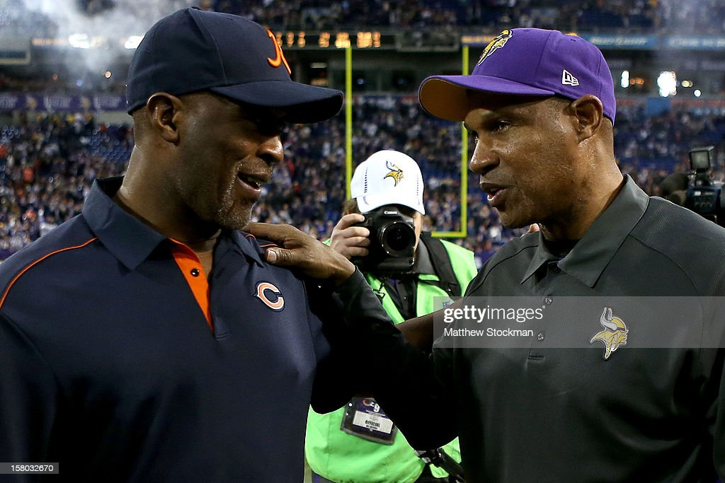 Head coach <a gi-track='captionPersonalityLinkClicked' href=/galleries/search?phrase=Lovie+Smith&family=editorial&specificpeople=211188 ng-click='$event.stopPropagation()'>Lovie Smith</a> of the Chicago Bears congratulates head coach <a gi-track='captionPersonalityLinkClicked' href=/galleries/search?phrase=Leslie+Frazier&family=editorial&specificpeople=2295716 ng-click='$event.stopPropagation()'>Leslie Frazier</a> of the Minnesota Vikings after their game at Mall of America Field on December 9, 2012 in Minneapolis, Minnesota.