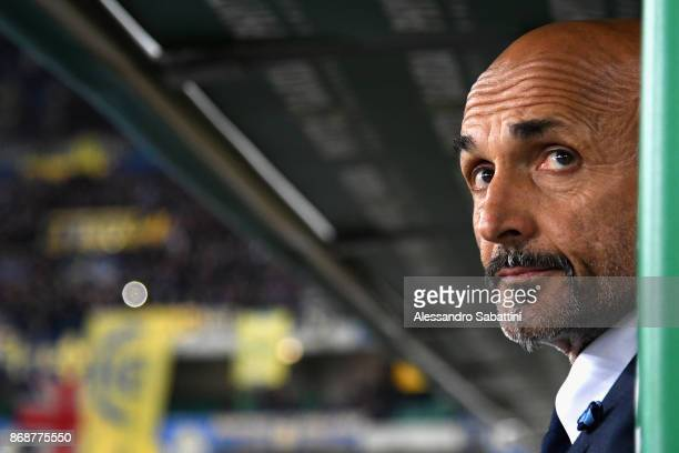 head coach Luciano Spalletti of FC Internazionale looks on before the Serie A match between Hellas Verona FC and FC Internazionale at Stadio...