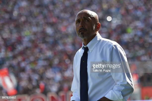 Head coach Luciano Spalletti of Internazionale looks on during the Serie A match between FC Crotone and FC Internazionale at Stadio Comunale Ezio...
