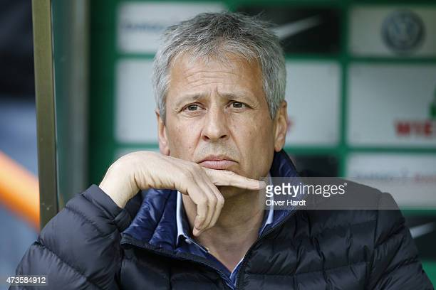 Head coach Lucien Favre of Moenchengladbach looks on prior to during the First Bundesliga match between SV Werder Bremen and Borussia...