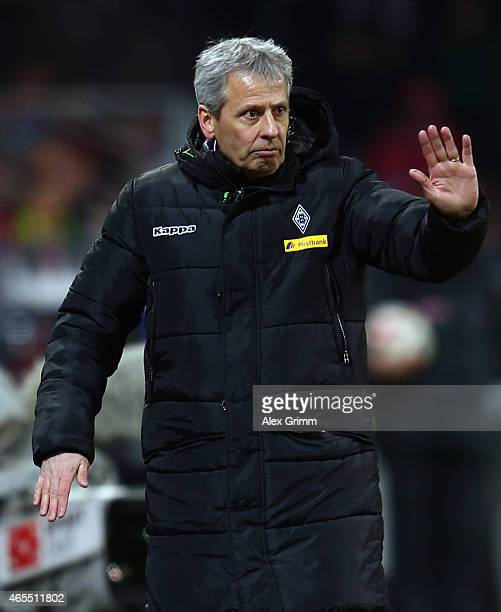 Head coach Lucien Favre of Moenchengladbach reacts during the Bundesliga match between 1 FSV Mainz 05 and Borussia Moenchengladbach at Coface Arena...