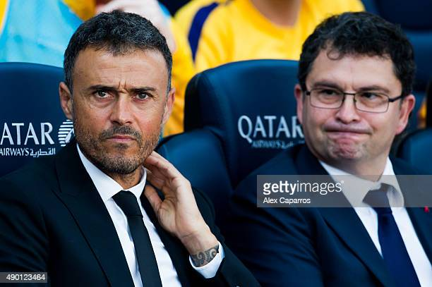 Head coach Luis Enrique Martinez and doctor Ricard Pruna of FC Barcelona look on before the La Liga match between FC Barcelona and UD Las Palmas at...