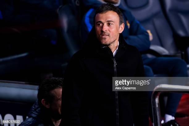 Head coach Luis Enrique Martinez of FC Barcelona looks on before the La Liga match between FC Barcelona and RC Celta de Vigo at Camp Nou stadium on...
