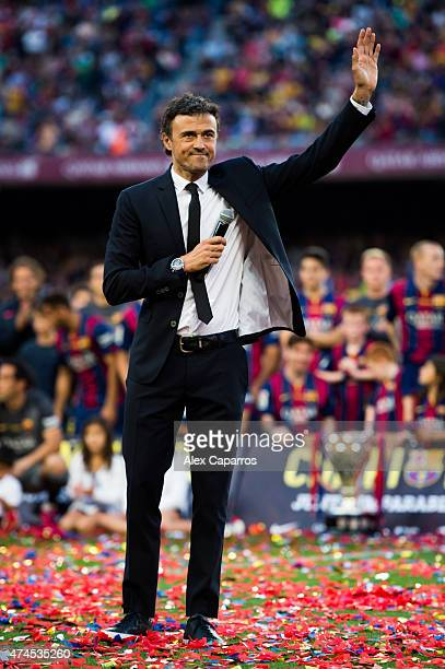 Head coach Luis Enrique Martinez of FC Barcelona waves to the spectators after the La Liga match between FC Barcelona and RC Deportivo La Coruna at...