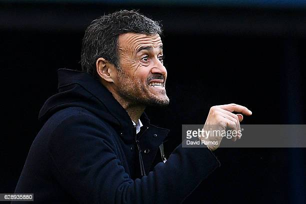 Head coach Luis Enrique of FC Barcelona reacts during the La Liga match between CA Osasuna and FC Barcelona at Sadar stadium on December 10 2016 in...
