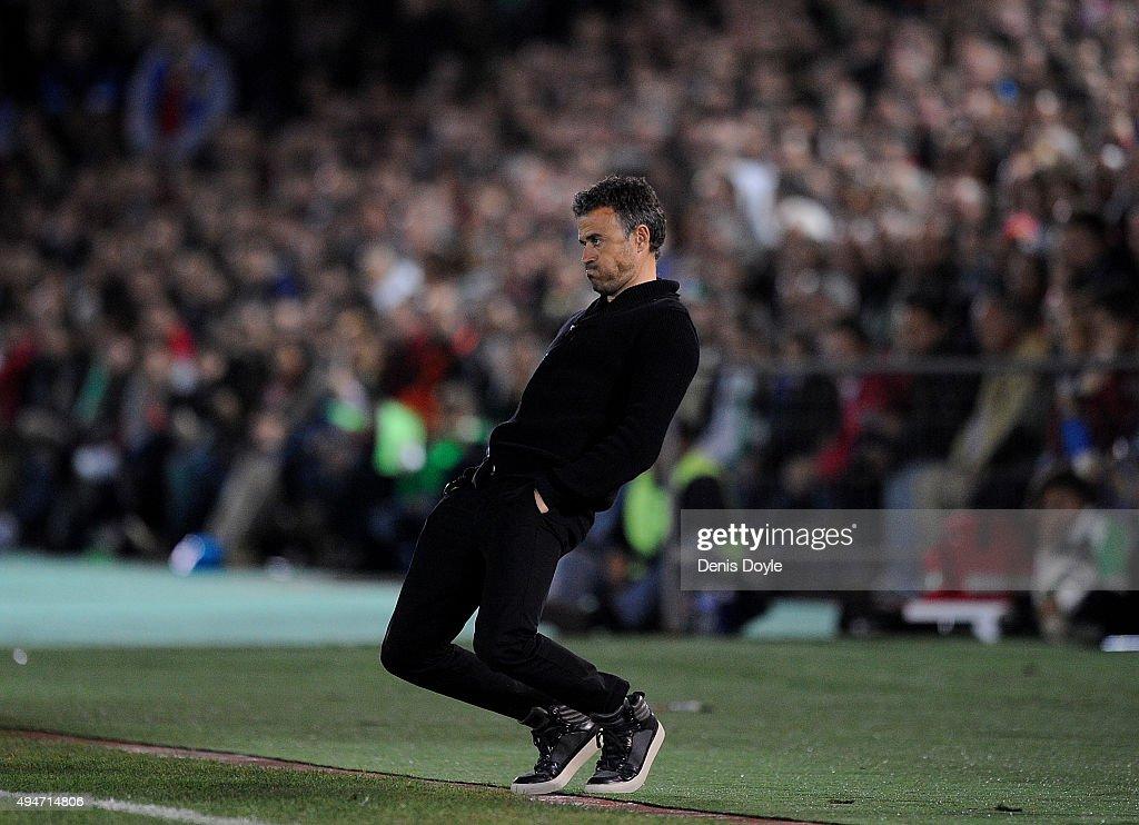 Head coach Luis Enrique of FC Barcelona reacts on the touchline during the Copa del Rey Last of 16 First Leg match between C.F. Villanovense and F.C. Barcelona at estadio Romero Cuerda on October 28, 2015 in Villanueva de la Serena, Spain.