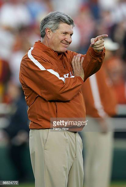 Head coach Mack Brown of the Texas Longhorns smiles during warmups before the start of the BCS National Championship Rose Bowl Game against the USC...