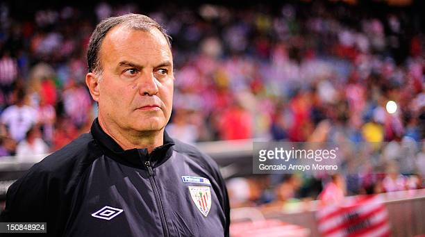 Head coach Marcelo Bielsa of Athletic Club before the La Liga match between Club Atletico de Madrid and Athletic Club at Vicente Calderon Stadium on...