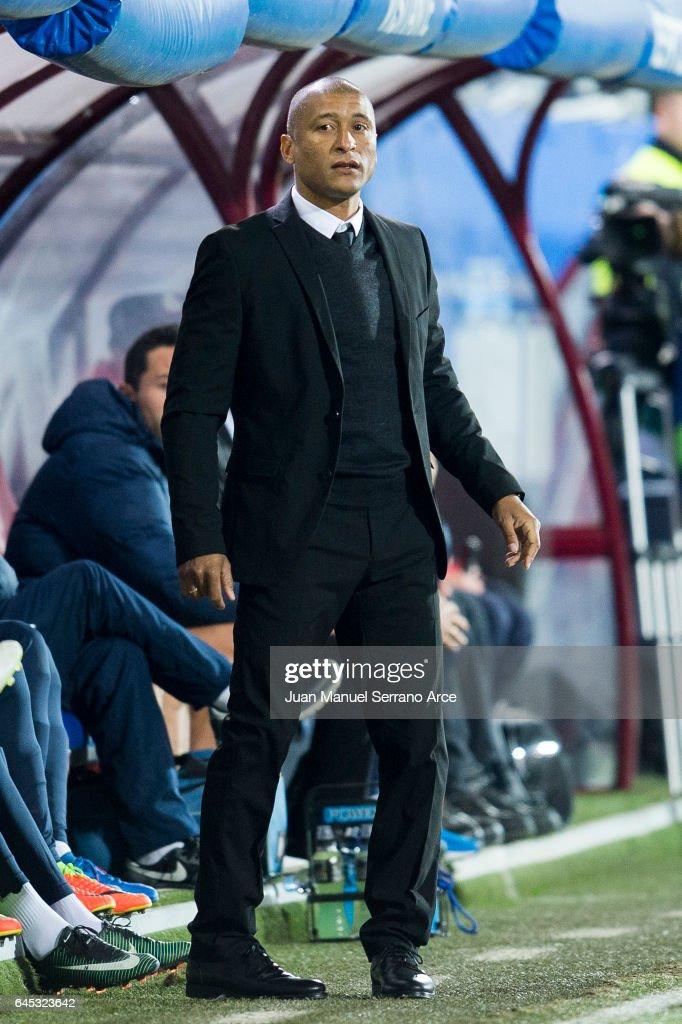 Head coach Marcelo Romero of Malaga CF reacts during the La Liga match between SD Eibar and Malaga CF at Ipurua Municipal Stadium on February 25, 2017 in Eibar, Spain.
