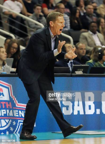 Head coach Mark Few of the Gonzaga Bulldogs reacts against the Xavier Musketeers during the 2017 NCAA Men's Basketball Tournament West Regional at...
