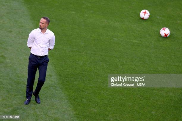 Head coach Mark Sampson of England is seen prior to the UEFA Women's Euro 2017 Second Semi Final match between Netherlands and England at De Grolsch...