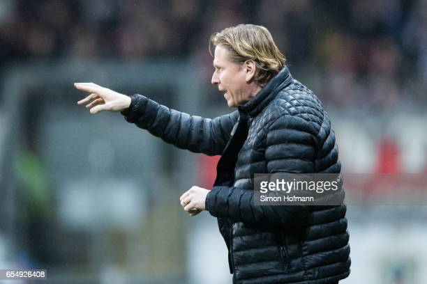 Head coach Markus Gisdol of Hamburg gestures during the Bundesliga match between Eintracht Frankfurt and Hamburger SV at CommerzbankArena on March 18...