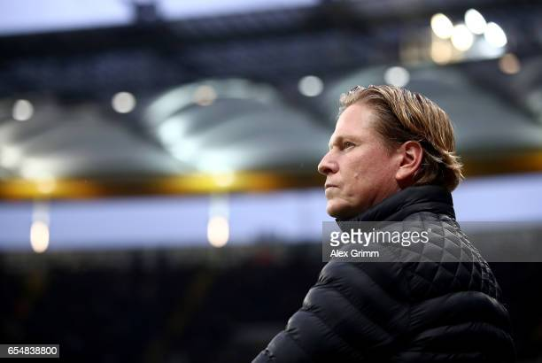 Head coach Markus Gisdol of Hamburg looks on during the Bundesliga match between Eintracht Frankfurt and Hamburger SV at CommerzbankArena on March 18...
