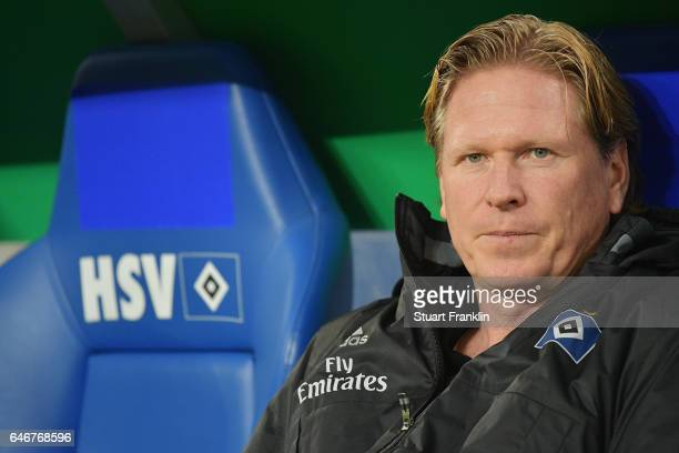 Head coach Markus Gisdol of Hamburg looks on prior to the DFB Cup quarter final between Hamburger SV and Borussia Moenchengladbach at...