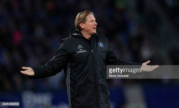 Head coach Markus Gisdol of Hamburger SV reacts during the Bundesliga match between Hamburger SV and Hertha BSC at Volksparkstadion on March 5 2017...