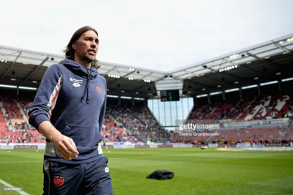 Head coach Martin Schmidt of 1. FSV Mainz 05 looks on prior to kickoff during the Bundesliga match between 1. FSV Mainz 05 and Hamburger SV at Coface Arena on April 30, 2016 in Mainz, Germany.