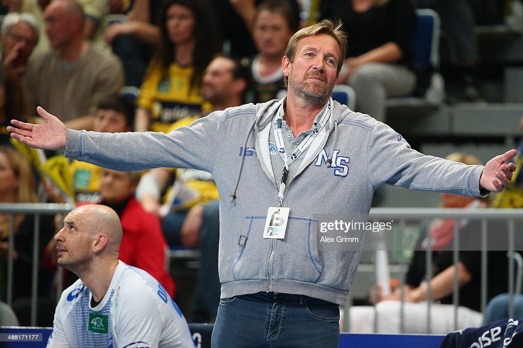 Head coach Martin Schwalb of of Hamburg reacts during the DKB Handball Bundesliga match between RheinNeckar Loewen and HSV Hamburg at SAP Arena on...