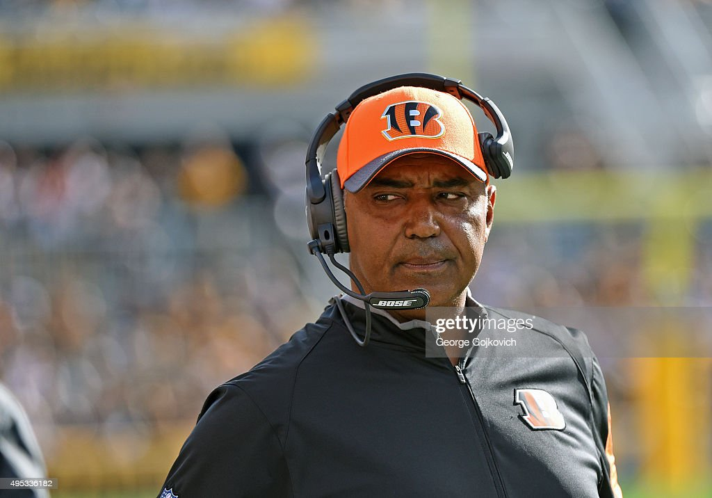 Head coach <a gi-track='captionPersonalityLinkClicked' href=/galleries/search?phrase=Marvin+Lewis+-+Coach&family=editorial&specificpeople=211207 ng-click='$event.stopPropagation()'>Marvin Lewis</a> of the Cincinnati Bengals looks on from the sideline during a game against the Pittsburgh Steelers at Heinz Field on November 1, 2015 in Pittsburgh, Pennsylvania. The Bengals defeated the Steelers 16-10.