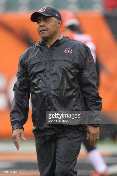 Head coach Marvin Lewis of the Cincinnati Bengals walks around on the field during pre game warmups prior to the start of the game against the...