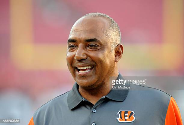 Head coach Marvin Lewis of the Cincinnati Bengals walks on the field during team warmups before the game against the Tampa Bay Buccaneers at Raymond...