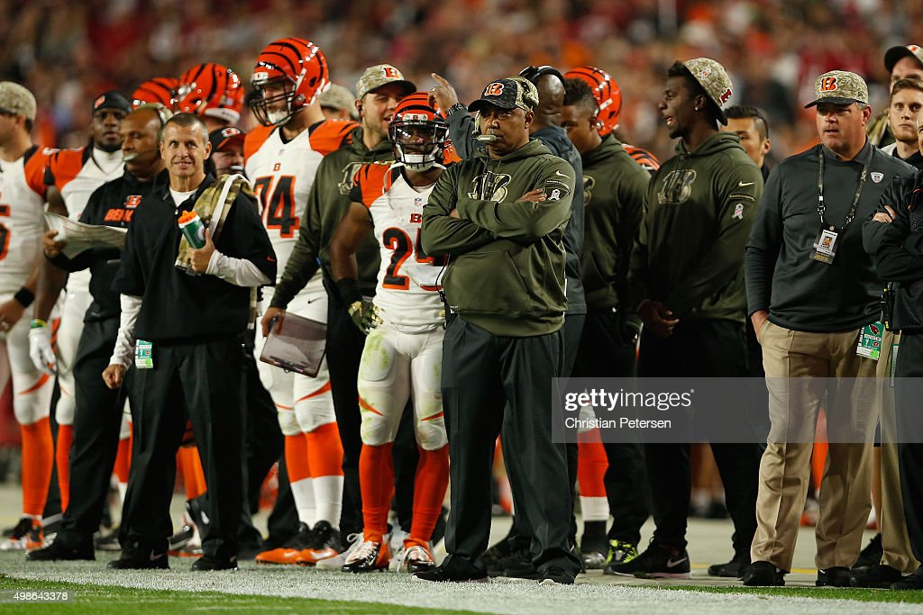 Head coach <a gi-track='captionPersonalityLinkClicked' href=/galleries/search?phrase=Marvin+Lewis+-+Coach&family=editorial&specificpeople=211207 ng-click='$event.stopPropagation()'>Marvin Lewis</a> of the Cincinnati Bengals watches the action during the NFL game against the Arizona Cardinals at the University of Phoenix Stadium on November 22, 2015 in Glendale, Arizona. The Cardinals defeated the Bengals 34-31.