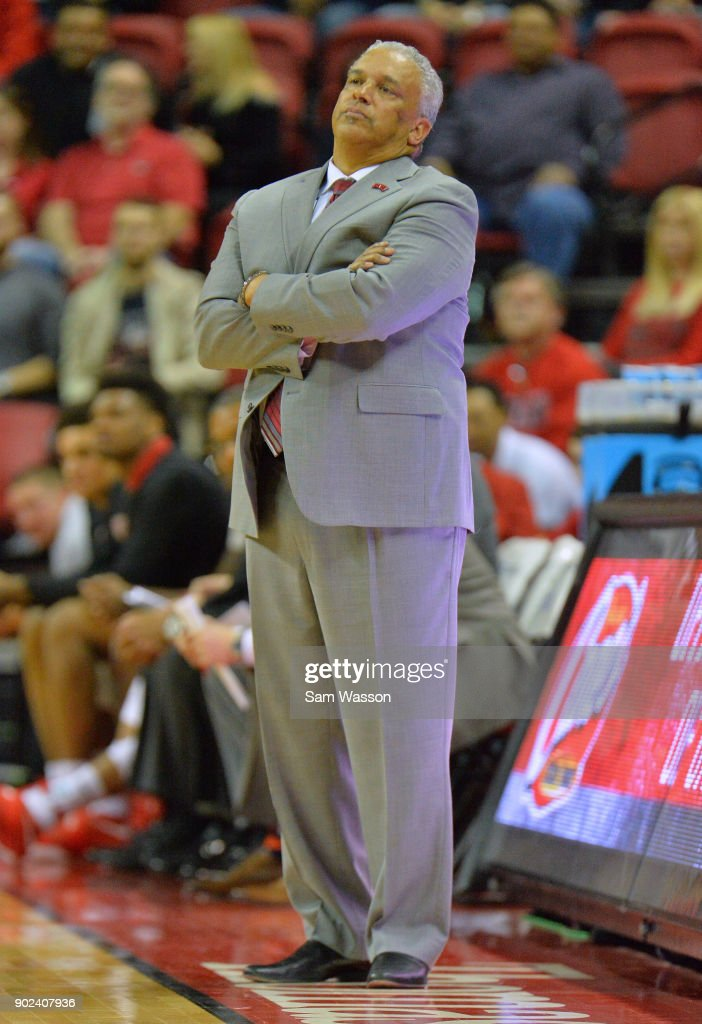 Head coach Marvin Menzies of the UNLV Rebels looks on during his team's game against the Utah State Aggies at the Thomas & Mack Center on January 6, 2018 in Las Vegas, Nevada. Utah State won 85-78.