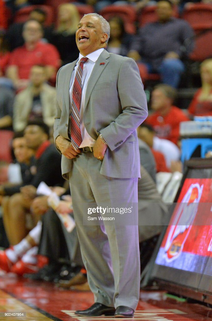 Head coach Marvin Menzies of the UNLV Rebels shouts instructions to his team during their game against the Utah State Aggies at the Thomas & Mack Center on January 6, 2018 in Las Vegas, Nevada. Utah State won 85-78.