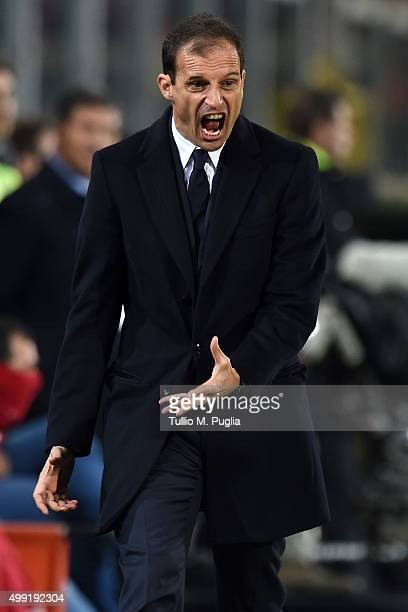 Head coach Massimiliano Allegri of Juventus reacts during the Serie A match between US Citta di Palermo and Juventus FC at Stadio Renzo Barbera on...