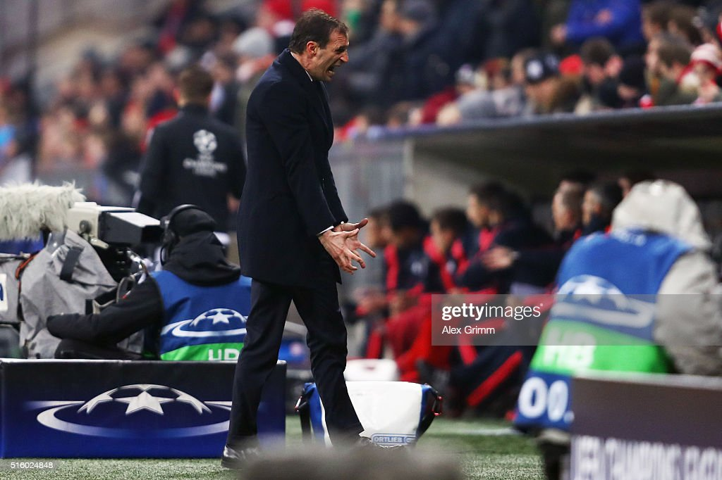Head coach <a gi-track='captionPersonalityLinkClicked' href=/galleries/search?phrase=Massimiliano+Allegri&family=editorial&specificpeople=3470667 ng-click='$event.stopPropagation()'>Massimiliano Allegri</a> of Juventus reacts during the UEFA Champions League Round of 16 Second Leg match between FC Bayern Muenchen and Juventus at Allianz Arena on March 16, 2016 in Munich, Germany.