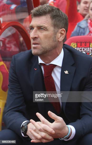 Head coach Massimo Carrera of FC Spartak Moscow gestures during the Russian Premier League match between FC Arsenal Tula vs FC Spartak Moscow at...