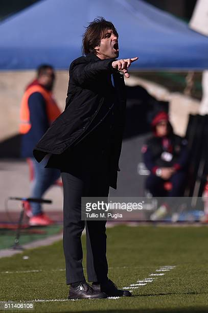 Head Coach Massimo Rastelli od Cagliari issues instructions during the Serie B match between Cagliari Calcio and Pescara Calcio at Stadio Sant'Elia...