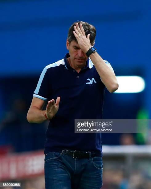 Head coach Mauricio Pellegrino of Deportivo Alaves reacts during the Copa Del Rey Final between FC Barcelona and Deportivo Alaves at Vicente Calderon...
