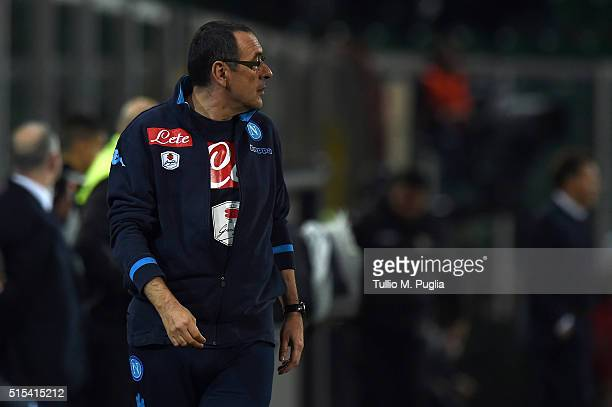 Head coach Maurizio Sarri of Palermo looks on during the Serie A match between US Citta di Palermo and SSC Napoli at Stadio Renzo Barbera on March 13...