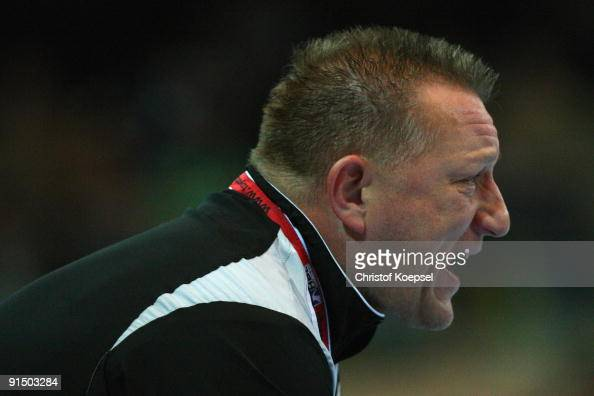 Head coach Michael Biegler of Magdeburg shouts at his team during the Toyota Handball Bundesliga match between HSG Duesseldorf and SC Magdeburg at...