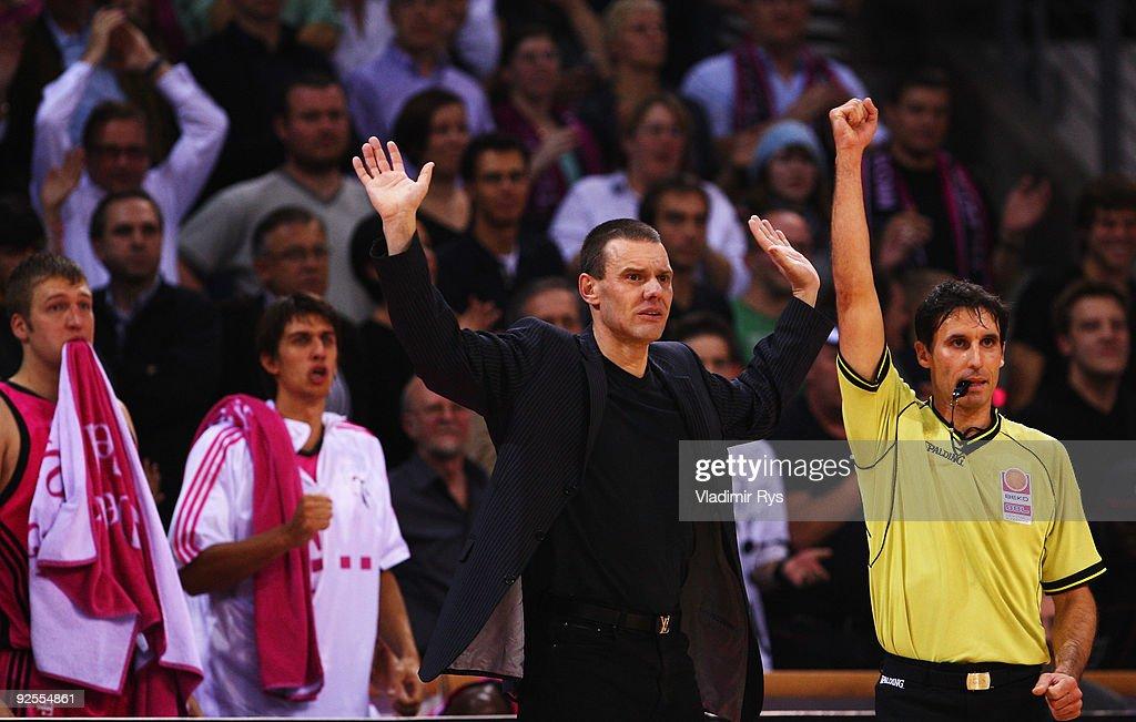 Head coach Michael Koch of Baskets reacts during the Beko Basketball Bundesliga game between Telekom Baskets and Alba Berlin at Telekom Dome on...