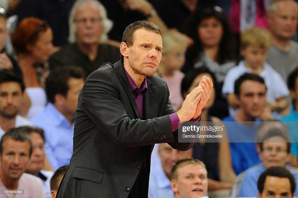 Head coach Michael Koch of Bonn gestures during the Beko BBL Bundesliga match between Telekom Baskets Bonn and FC Bayern Muenchen at Telekom Dome on...